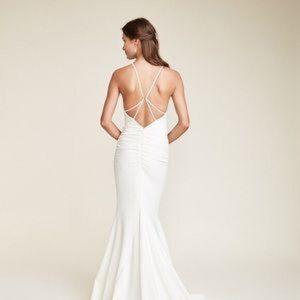 Nicole Miller 'Morgan' wedding gown and veil